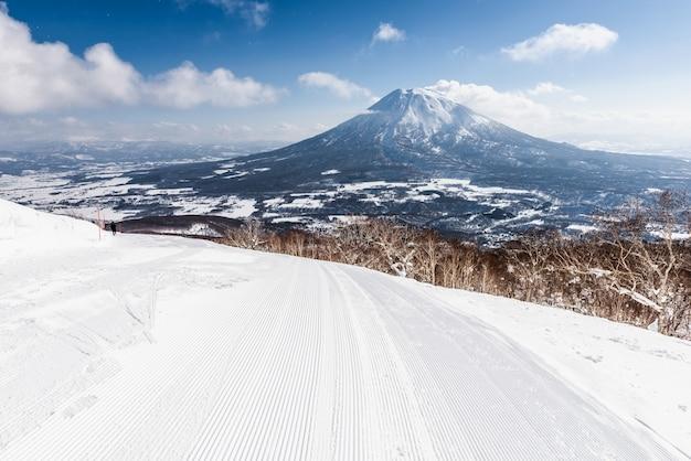 Esportes de inverno - esquiar no japão