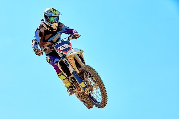 Esportes radicais, salto de motocicleta