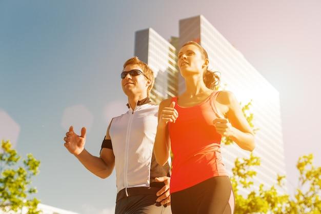 Esportes urbanos - corrida de fitness na cidade