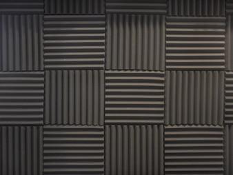 Espuma acústica no estúdio