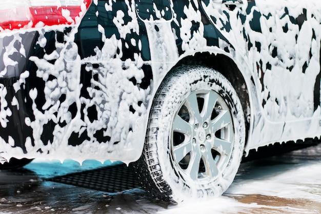 Espuma ativa da lavagem de carro