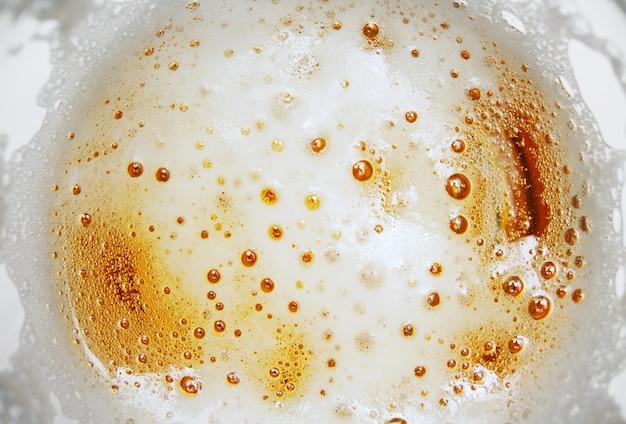 Espuma de cerveja com bolhas
