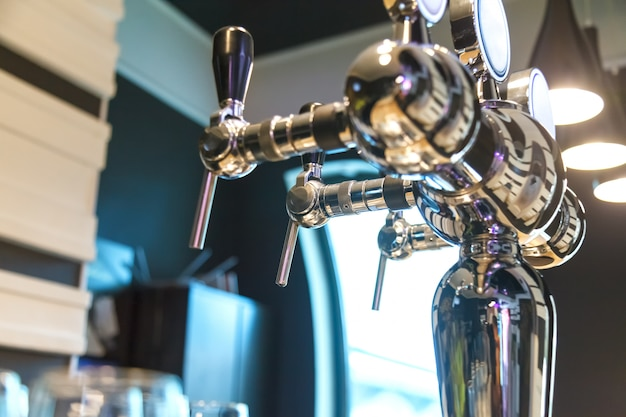 Espuma desembaciadora para engarrafar cerveja no bar