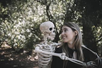 Esqueleto, ficar, perto, rir, senhora