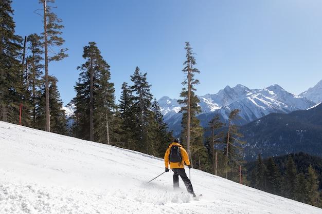 Esqui nas montanhas