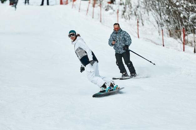 Esquiador downhill