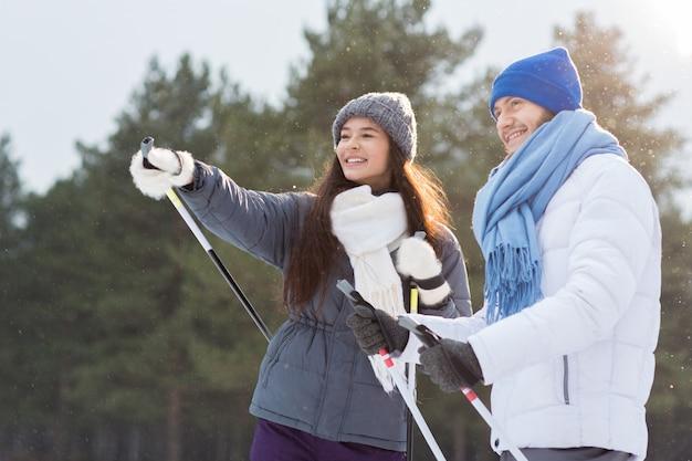 Esquiadores falando