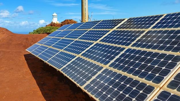 Estação de energia solar, usina de energia solar renovável, usina de energia solar com painéis fotovoltaicos