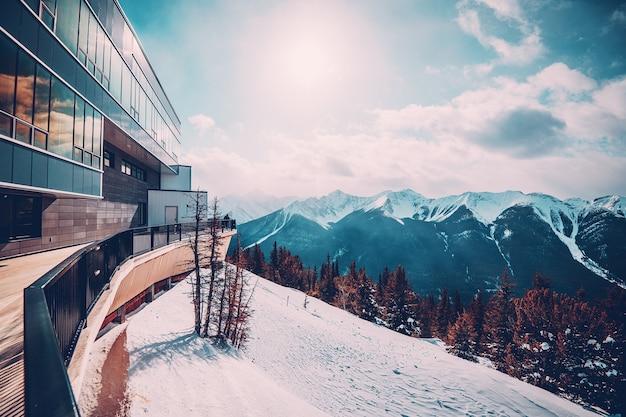 Estação de pico da montanha sulphur em banff