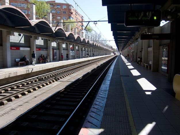 Estação de trens em parla, madrid
