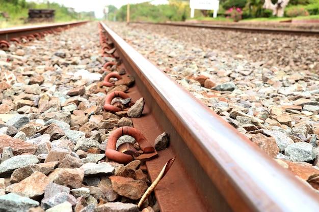 Estação ferroviária e ferroviária
