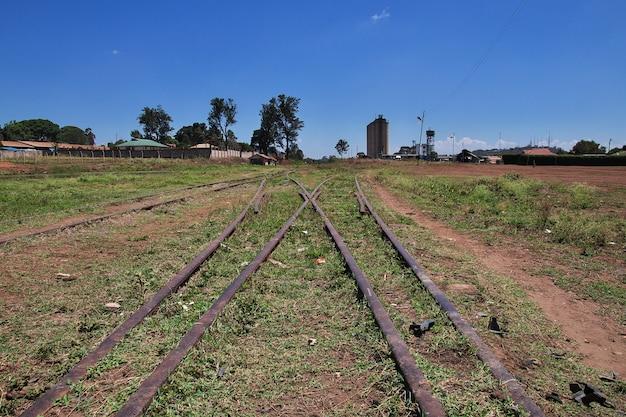 Estação ferroviária na cidade de arusha, tanzânia