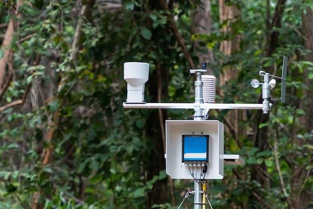 Estação meteorológica de alta altitude na tailândia