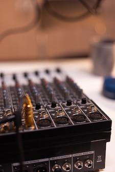 Estação para gravar e falar durante o podcast