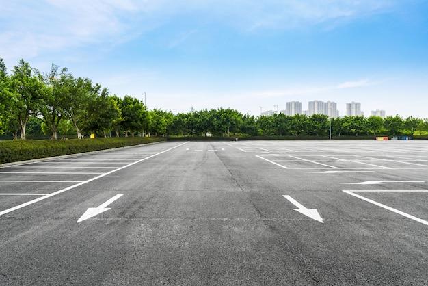 Estacionamento ao ar livre