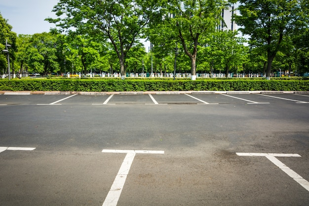 Estacionamento vazio