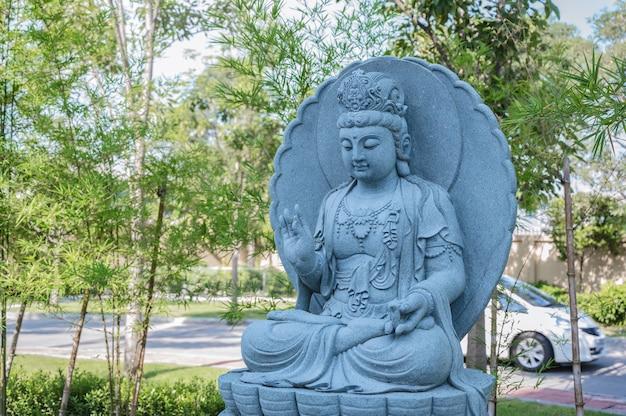 Estádios de pedra da afilhada guanyin no templo de foguangshan thaihua, na tailândia. guang shan é uma das quatro grandes organizações budistas em taiwan