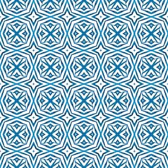 Estampado têxtil pronto a buscar, tecido de biquíni, papel de parede, embrulho. projeto chique do verão do boho azul valioso. aquarela ikat repetindo a borda da telha. ikat repetindo design de trajes de banho.