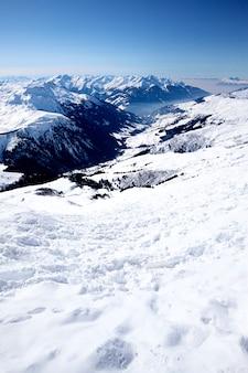 Estância de esqui nos alpes franceses