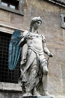 Estátua de anjo bernini