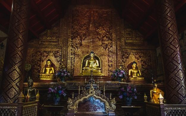 Estátua de buda e salão de design de interiores de wat phra singh