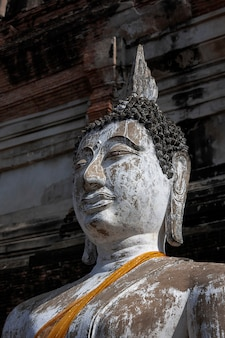 Estátua de buda em wat yai-chai-mongkol ayutthaya