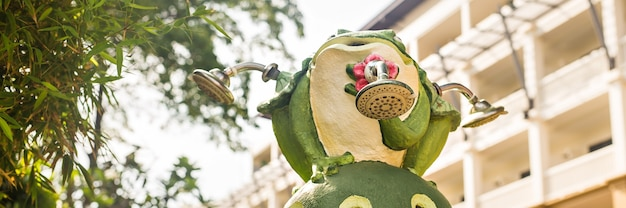 Estátua de decoração de jardim ao ar livre, sapo verde engraçado