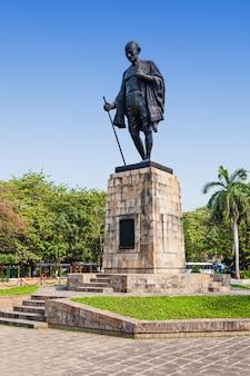 Estátua de mahatma gahdhi