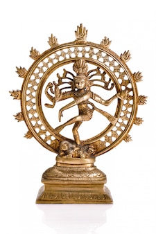 Estátua de shiva nataraja, senhor da dança isolada