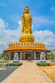 Estátua do templo chinês de bodhisattva guan yin