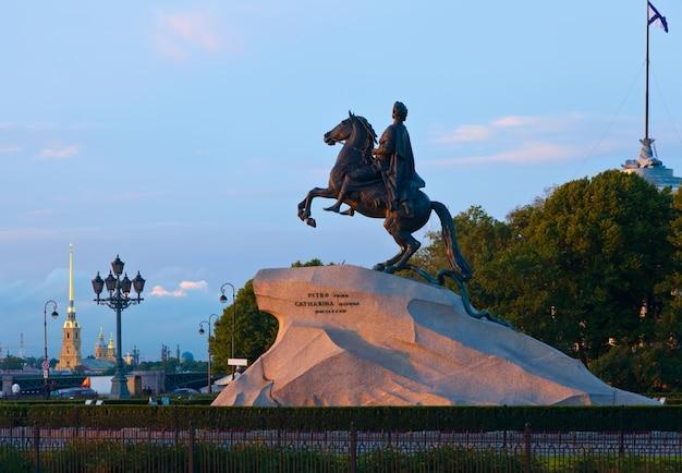 Estátua equestre de pedro o grande