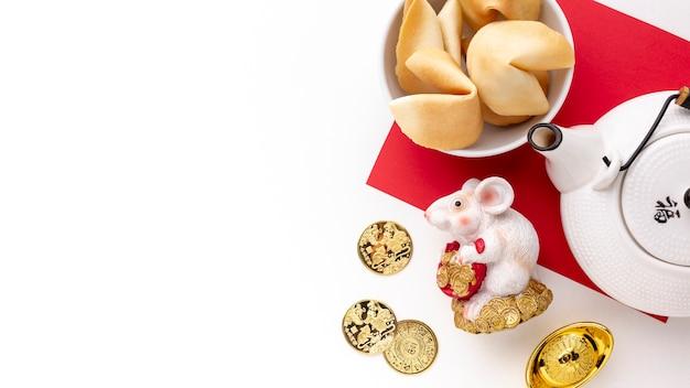 Estatueta de rato e bule de ano novo chinês
