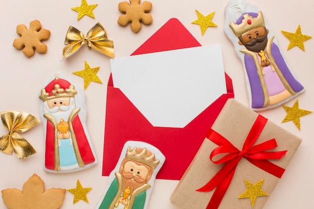 Estatuetas comestíveis de biscoito da realeza com estrelas douradas