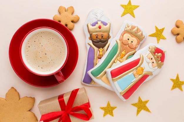 Estatuetas comestíveis de biscoito da realeza e café