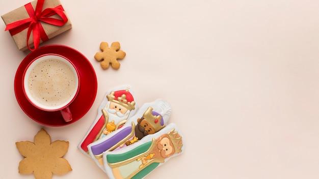 Estatuetas comestíveis de biscoitos realeza copiam o espaço