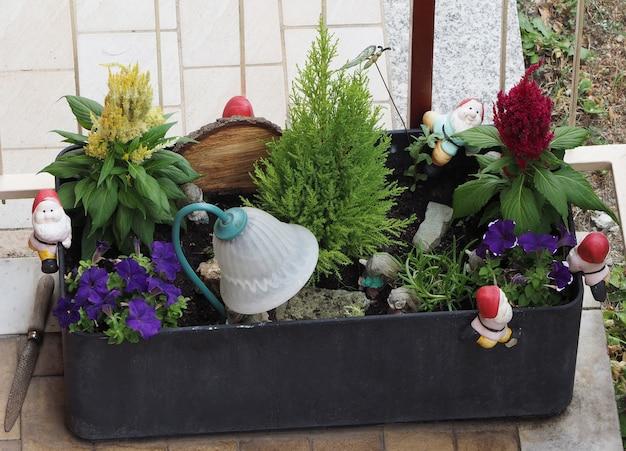 Estatuetas de gnomos de jardim