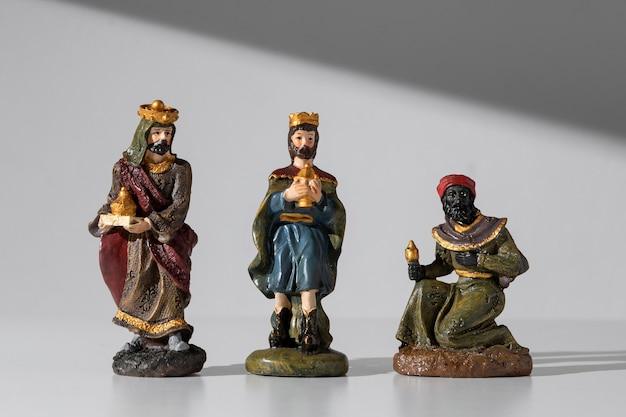 Estatuetas de reis do dia da epifania