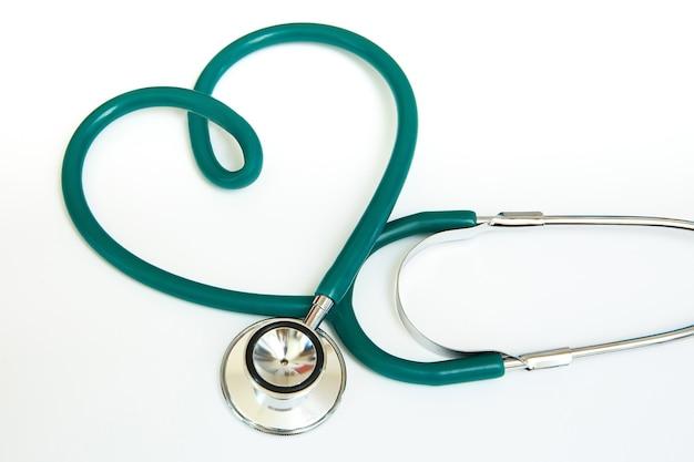 Estetoscópio médico em forma de coração