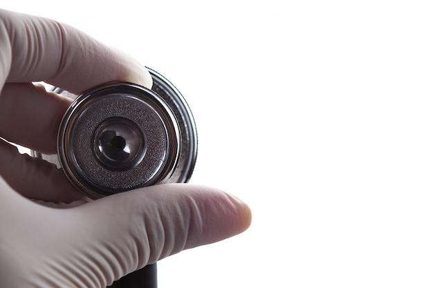 Estetoscópio médico na mão