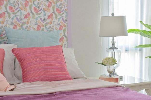 Estilo de cama romântico colorido