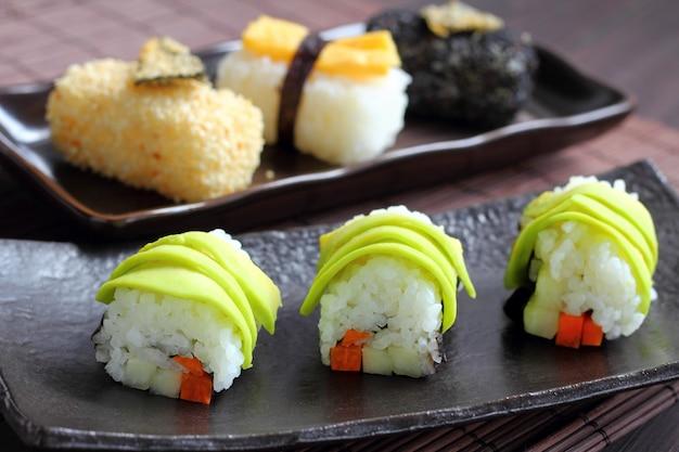 Estilo de comida de sushi no japão.