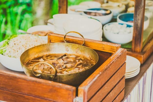 Estilo de macarrão tailandês