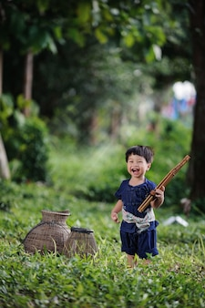 Estilo de vida feliz no lado do país de tailândia.