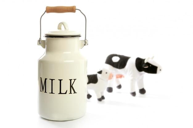 Estilo tradicional do fazendeiro do potenciômetro branco da urna de leite