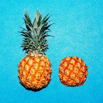Estilo tropical. abacaxi mínimo fresco
