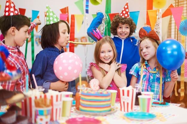 Estou tão feliz da minha festa de aniversário