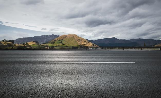 Estrada, clound, céu, moutain, fundo Foto gratuita