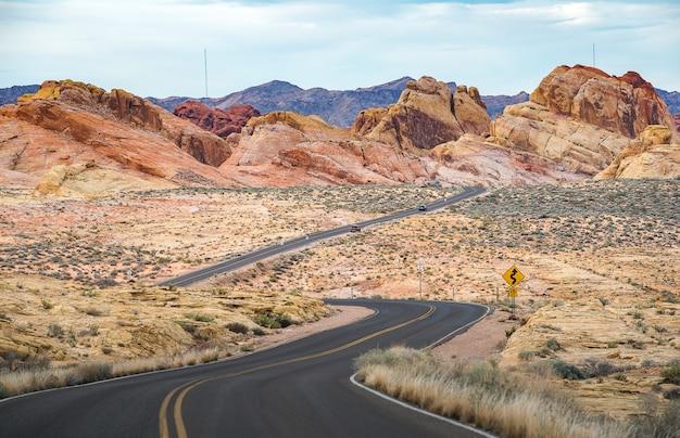 Estrada contrária