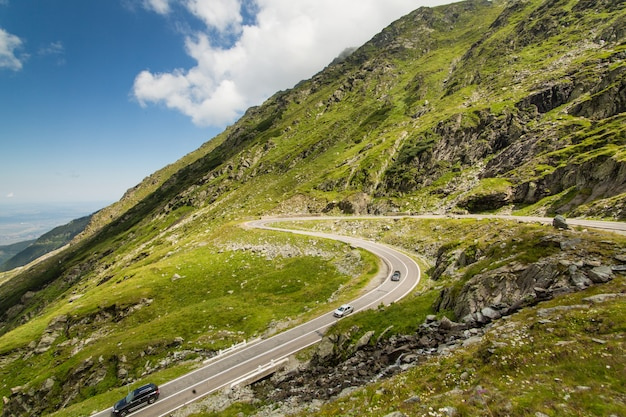 Estrada da montanha de transfagarasan, carpathians romenos
