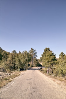 Estrada de montanha de asfalto